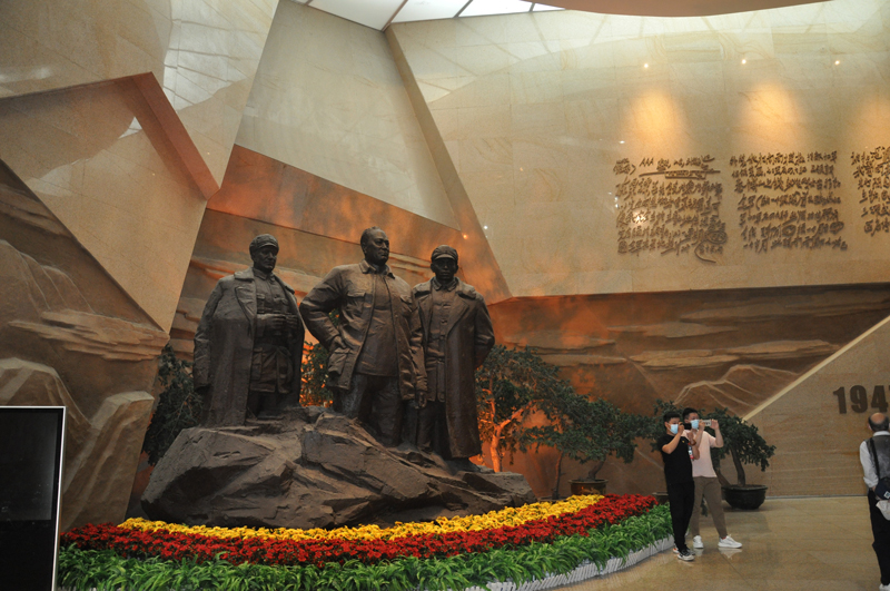 参观莱芜战役纪念馆